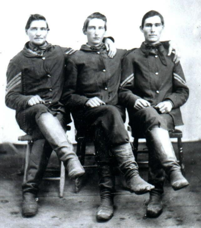 3 Alt Brothers